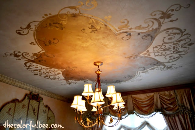 Modello design on ceiling with metallic plaster