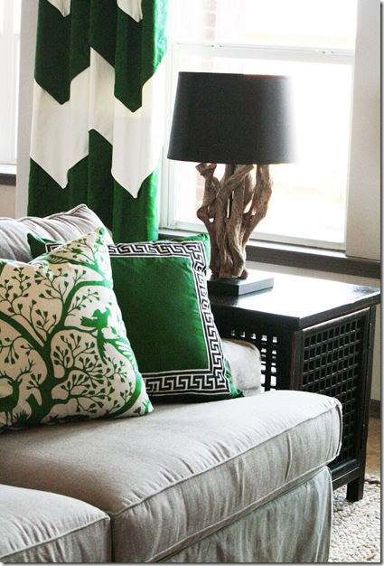 Emerald green accents for the living room