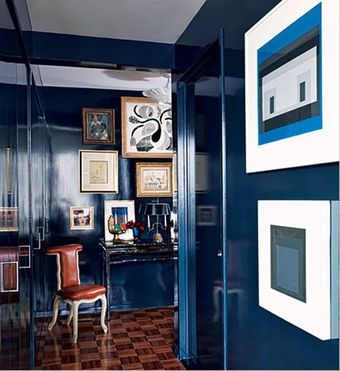lacquered walls in deep navy - Blue House Design