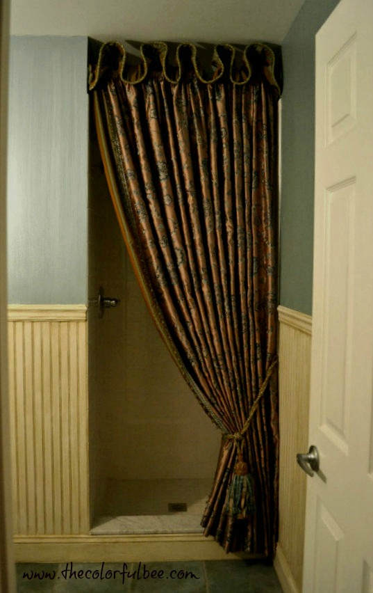 """powder room design ideas"" ""stried wall finish in a powder room"" ""window treatment for a powder room"""