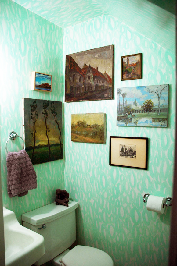 powder room ideas; an abstract wall finish a la Kelly Wearstler