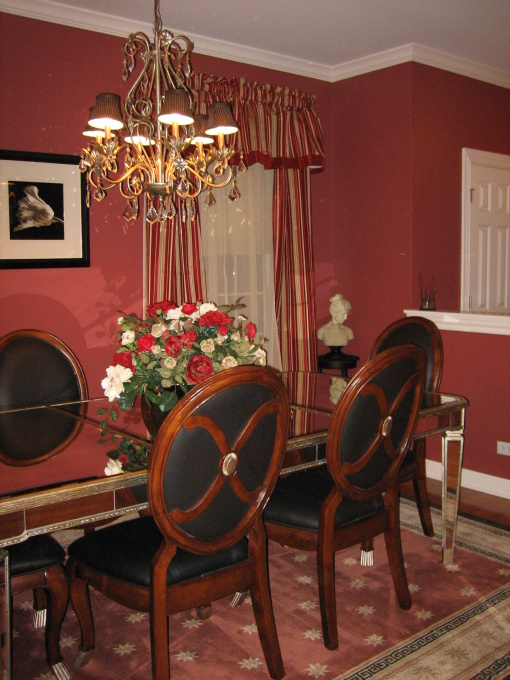 Benjamin Moore Garrison Red in a dining room