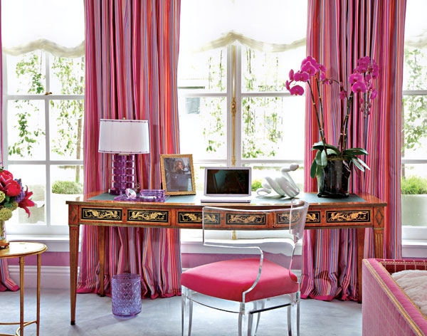 Jamie Drake Kips Bay Showhouse room in fuchsia
