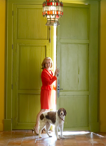 JaneMcGarry_news anchor who fell in love with Italy lime green front door