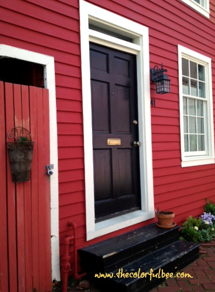 Exterior paint colors archives the colorful beethe colorful bee - Red exterior wood paint plan ...