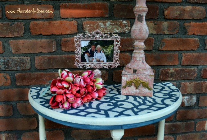 demilune table painted with Annie Sloan chalk paint