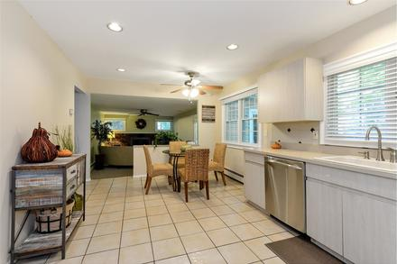 a staged kitchen in Dix Hills NY