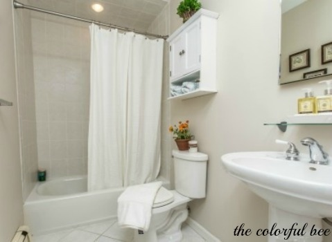 a staged bathroom in Elmont NY